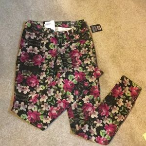 Pixel rose Volcom jeggings